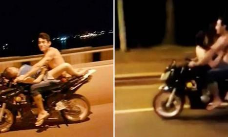 un couple surpris en train de faire l 39 amour sur une moto. Black Bedroom Furniture Sets. Home Design Ideas