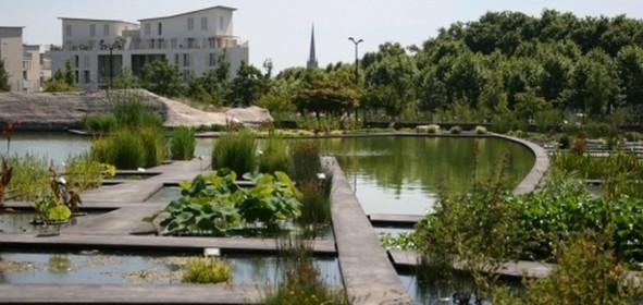 Une femme tente d 39 enlever un enfant de 4 ans dans un parc for Appartement bordeaux jardin botanique